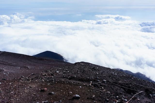 登山道からの景色~富士宮口9.5合目付近