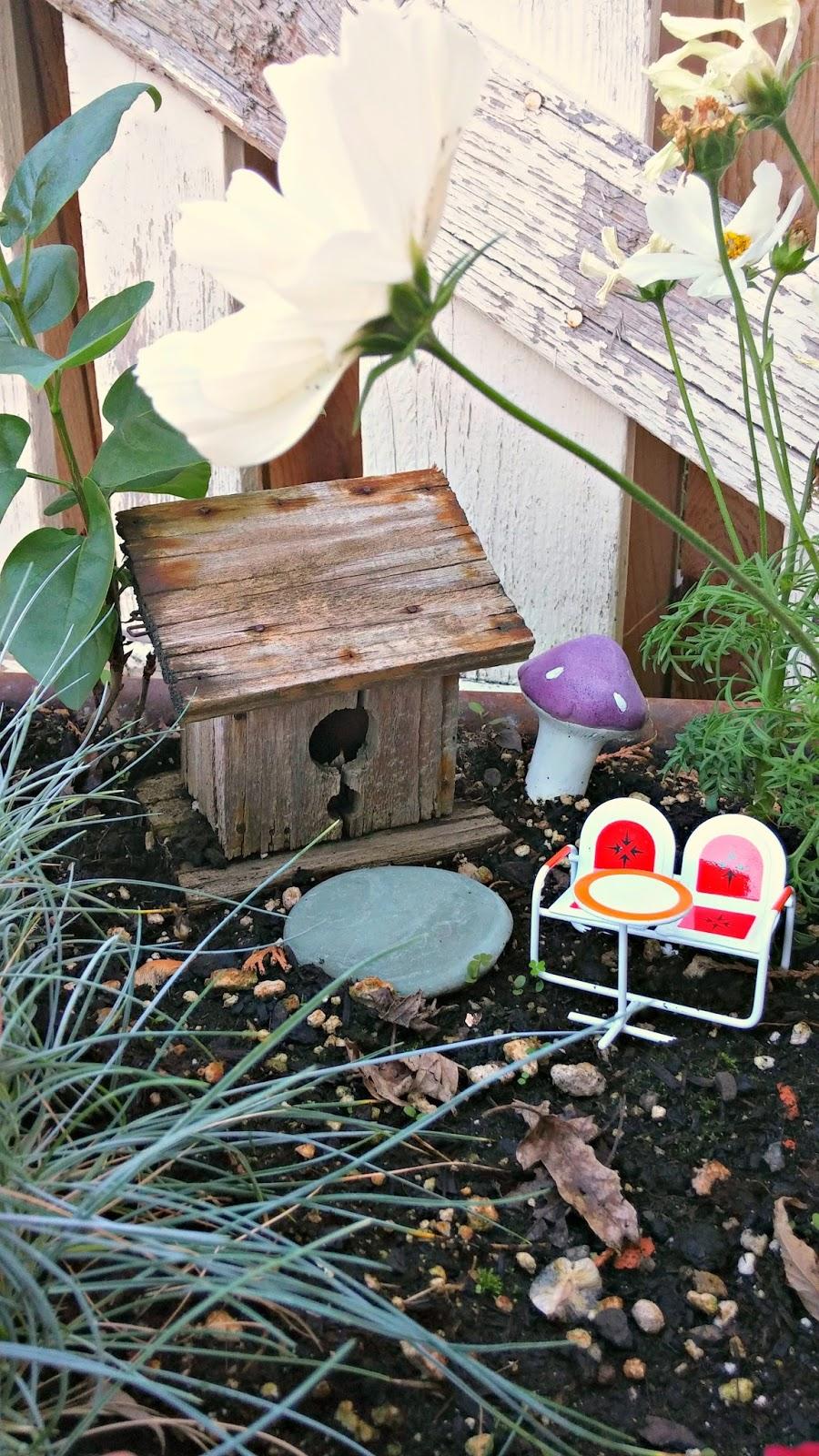 My Backyard And Patio Decor Little Vintage Cottage