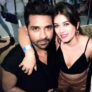 Bigg-Boss-11-finalist-Puneesh-Sharma-and-Bandgi-Kalra