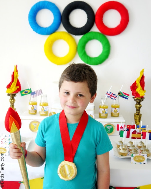 Olympic Torch & Gold Olympic Medals DIY Tutorial - via BirdsParty.com