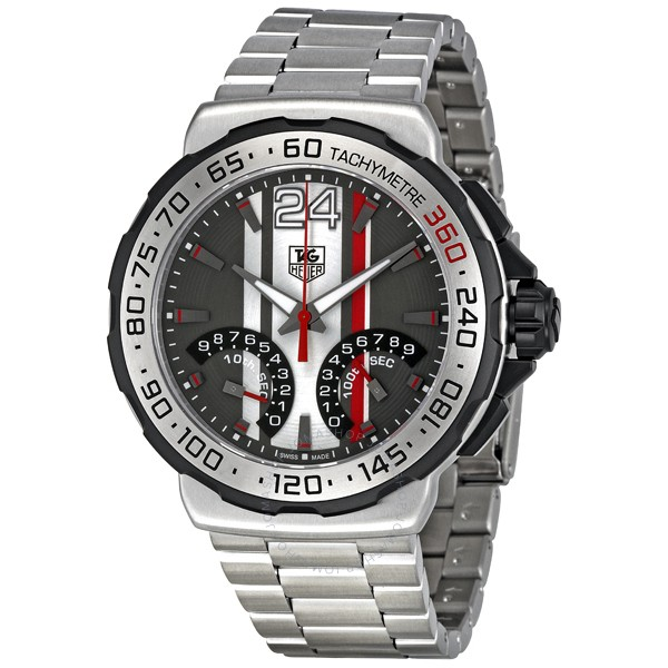 f4b341ce835 One that caught my eye immediately is a watch that I ve looked at before
