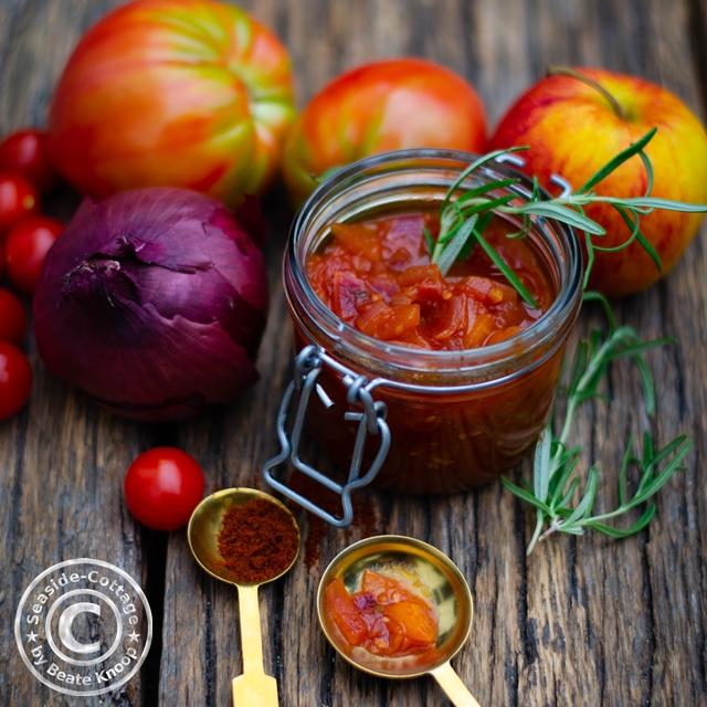 Tomaten-Chutney Rezept mit Äpfeln und Calvados