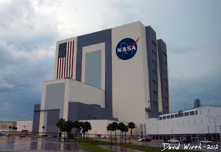 tallest building in the world, 1 story, biggest door in the world, nasa, rocket vehicle assembly building