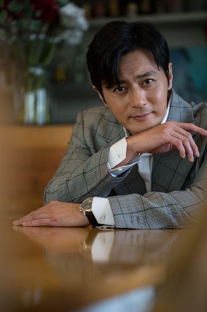 Jang Dong Gun 46 tuổi điển trai phong độ khiến phái nữ say đắm - Ảnh 4