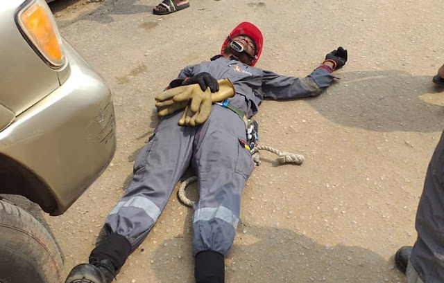 See How This Electricity Staff  Was Brutally Assaulted In Lagos