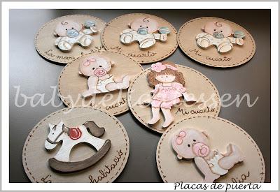 placas de puerta infantiles con siluetas en relieve babydelicatessen