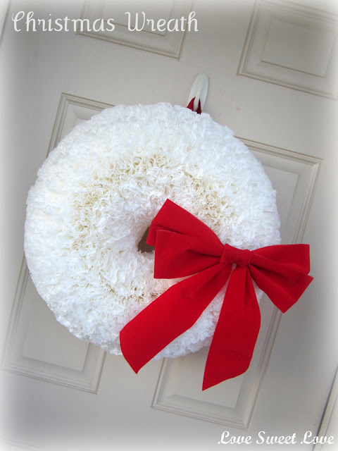 Coffee Filter DIY Wreath - 25 Handmade Christmas Ideas over at the36thavenue.com
