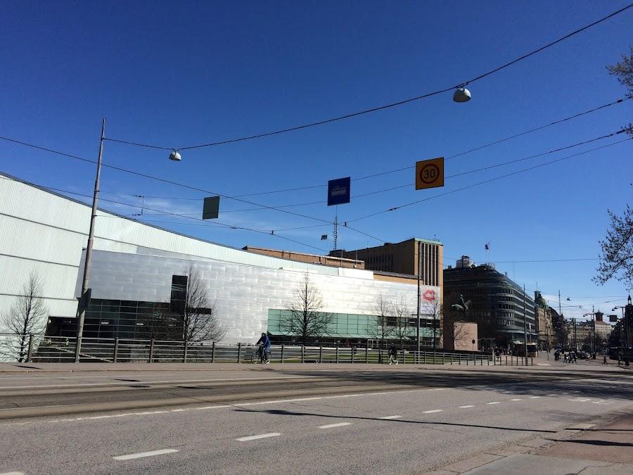 国立現在美術館キアズマ(Nykytaiteen Museo)