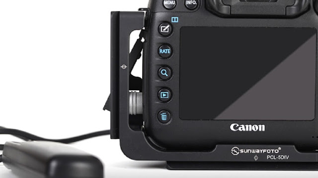 Sunwayfoto PCL-5DIV L Bracket on Canon EOS 5D Mk IV rear view