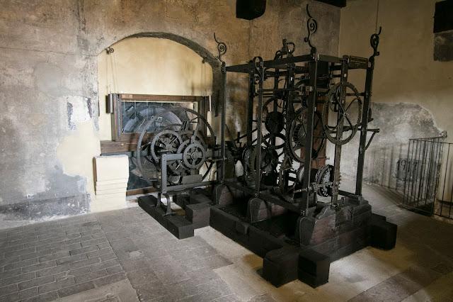 Torre dell'Orologio-Piazza delle Erbe-Mantova