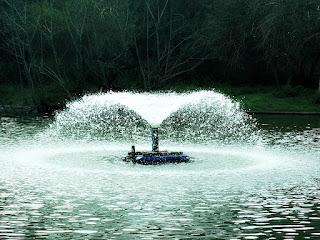 Aerador em Lago do Parque Zoológico de Sapucaia