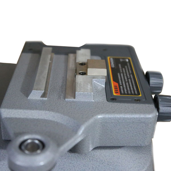 Condor-xc-002-key-cutting-machine-8
