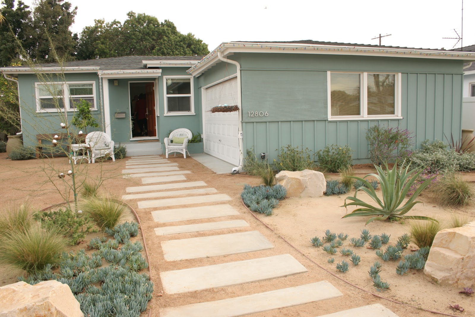 2018 Mar Vista Green Garden Showcase: 12806 Stanwood Drive on Decomposed Granite Backyard Ideas id=36724