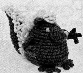 http://web.archive.org/web/20060606000118/http://www.sarahanns.com/crochetworks/animals.html