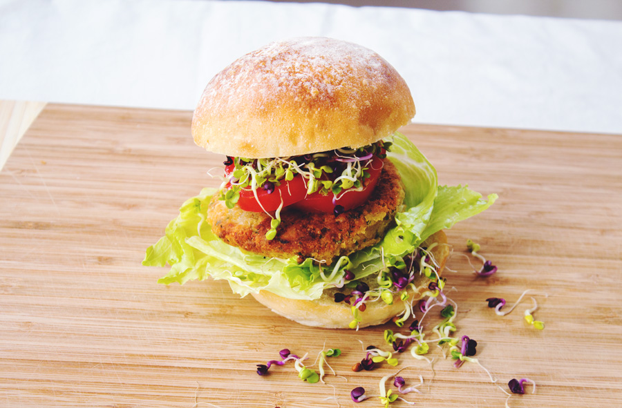 The Amazing ChickBurger, chickpea burger, copyright aldentegourmet blog, copyright Aldyht Moyla Photography