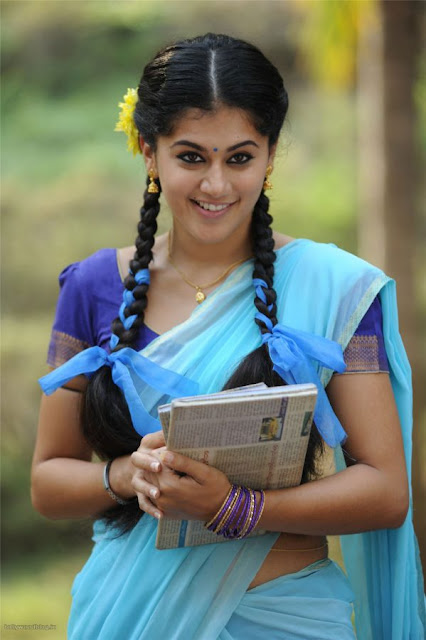Smiling Taapsee Hd Wallpaper