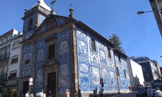 Przykład zastosowania kafelków tzw. Azulejos.