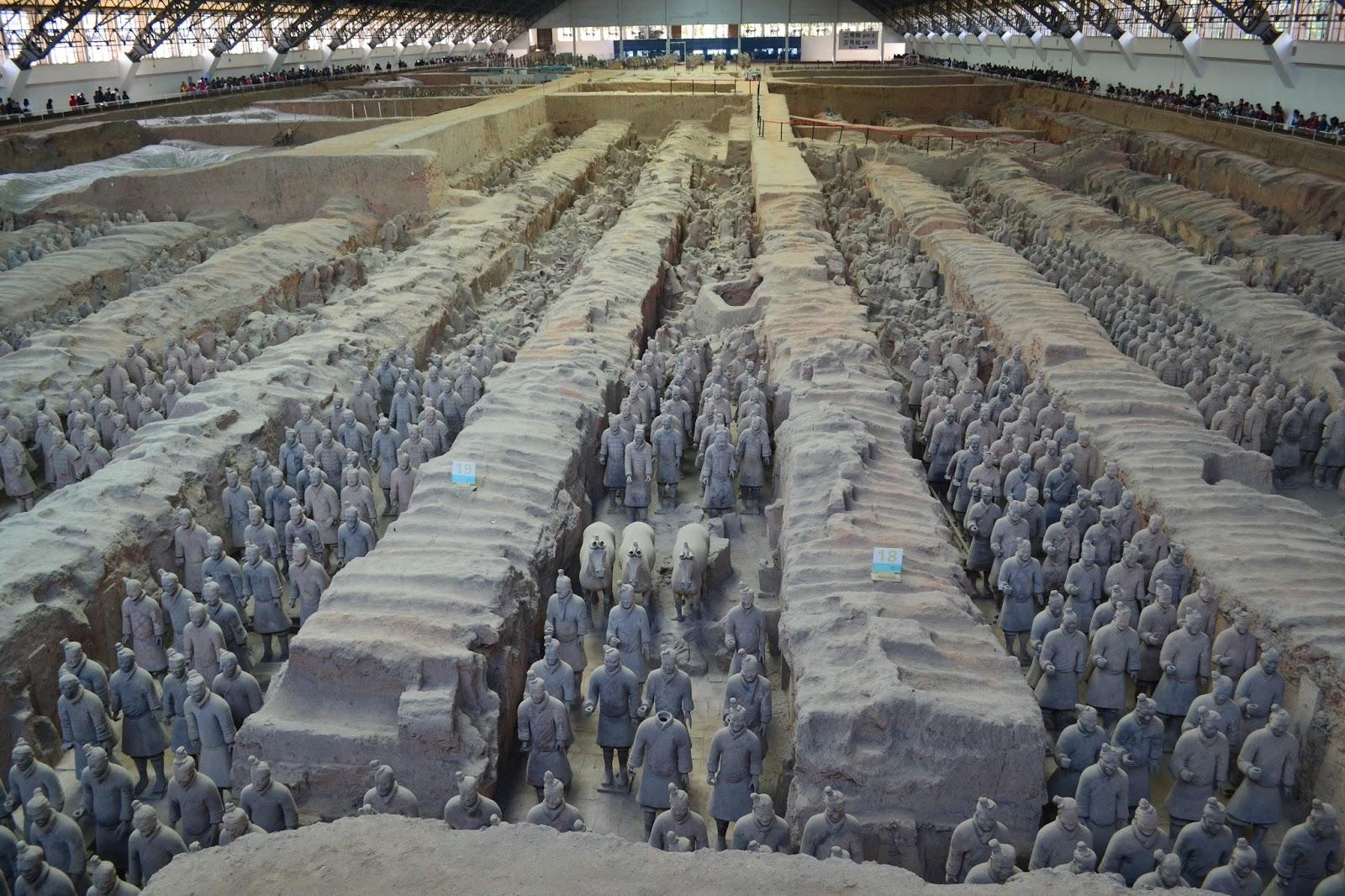 les tribulations des l ves de sasserno en chine xi an l 39 arm e en terre cuite de l 39 empereur qin. Black Bedroom Furniture Sets. Home Design Ideas