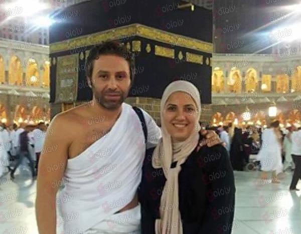 صاحبة السعادة قصة حب حازم إمام وزوجته مليانة. صورة حازم امام مع زوجته بملابس الاحرام امام الكعبة - ايجي وبس