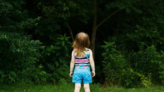 Pijana matka zostawiła 3 letnią córkę w lesie