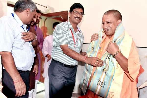 yogi-adityanath-in-rss-samanvay-baithak-keshav-dham-vrindavan