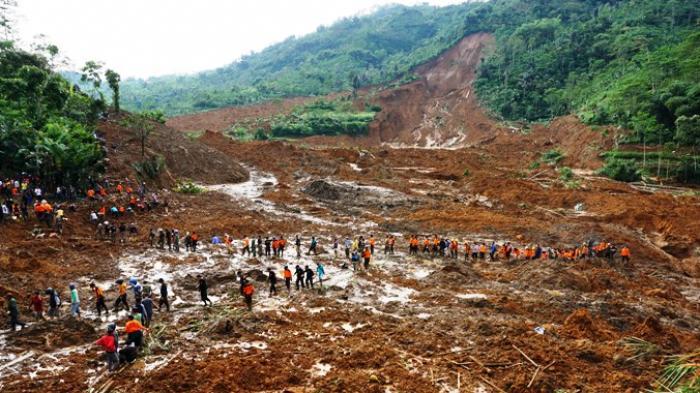 Pemerintah Provinsi Jawa Timur Akan Menanggung Semua Korban