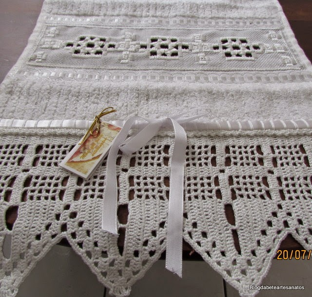 Toalha de Lavabo, Bordado em Hardanger, Hardanger, Barrado em Crochê, Barrado em croche