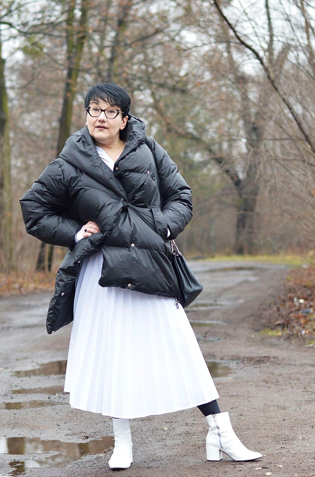 Biała plisowana spódnica, biała solejka, solejka