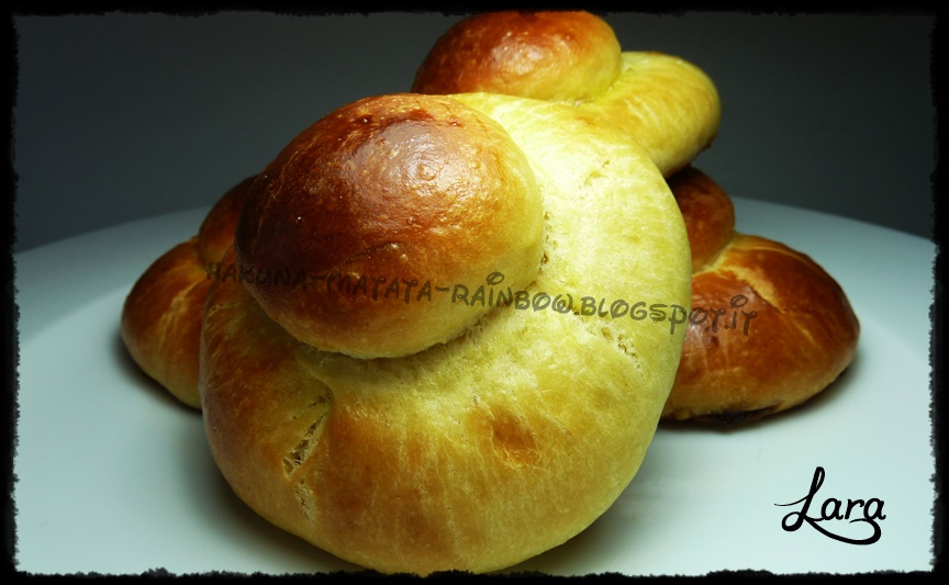 http://cucinaconlara.blogspot.it/2014/08/brioche-col-tuppo.html