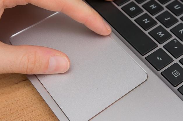 Harga Laptop Asus Zenbook UX305UA Tahun 2017 Lengkap Dengan Spesifikasi