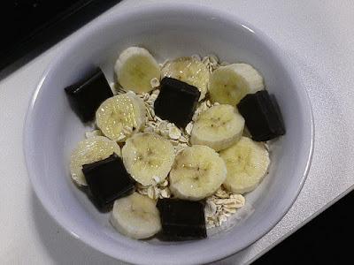 Owsianka z bananem i czekoladą - przepis