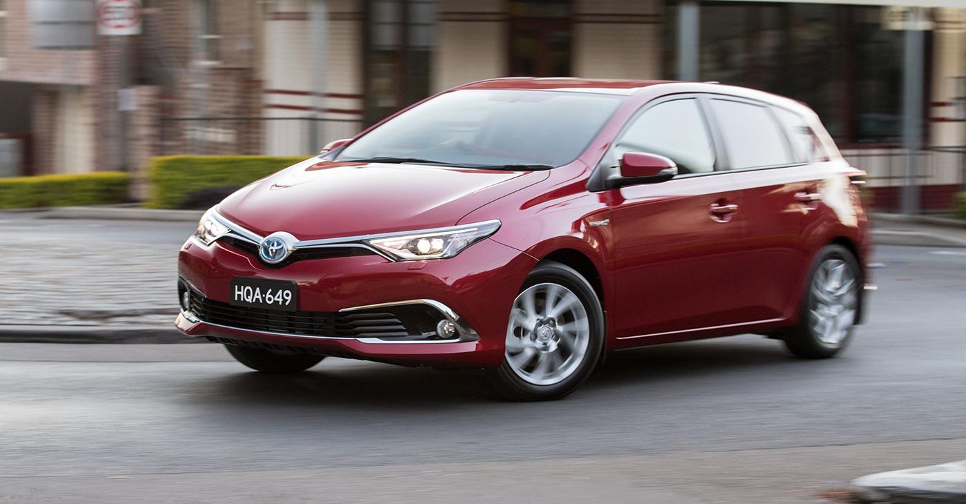 Toyota Corolla Hybrid 2016 đã chính thức được bán