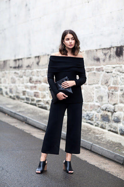 off the shoulder trend, off the shoulder silhouette, off the shoulder top, off the shoulder bohemian, off the shoulder ruffled top, off the shoulder dress, off the shoulder knit, biggest spring trend 2016, street style, all black outfit, mules