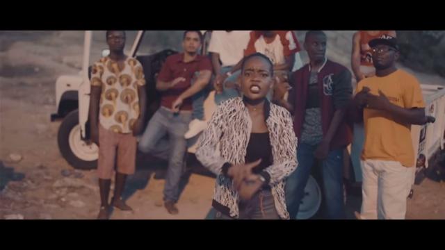 A angolana Steiss MC lança o clipe 'Fénix'