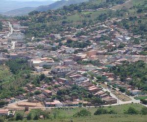 Morador denuncia que  preservativos usados são jogados dentro de reservatório que abastece Mata Grande