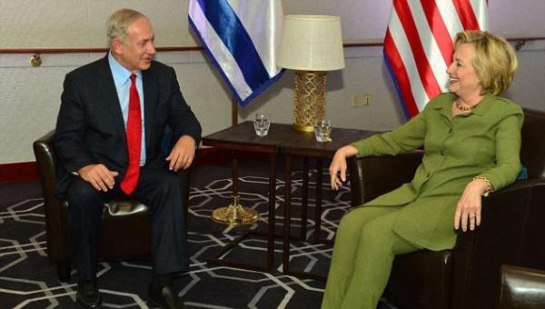 """Clinton sostiene que EE.UU. necesita a Israel """"fuerte y seguro"""""""