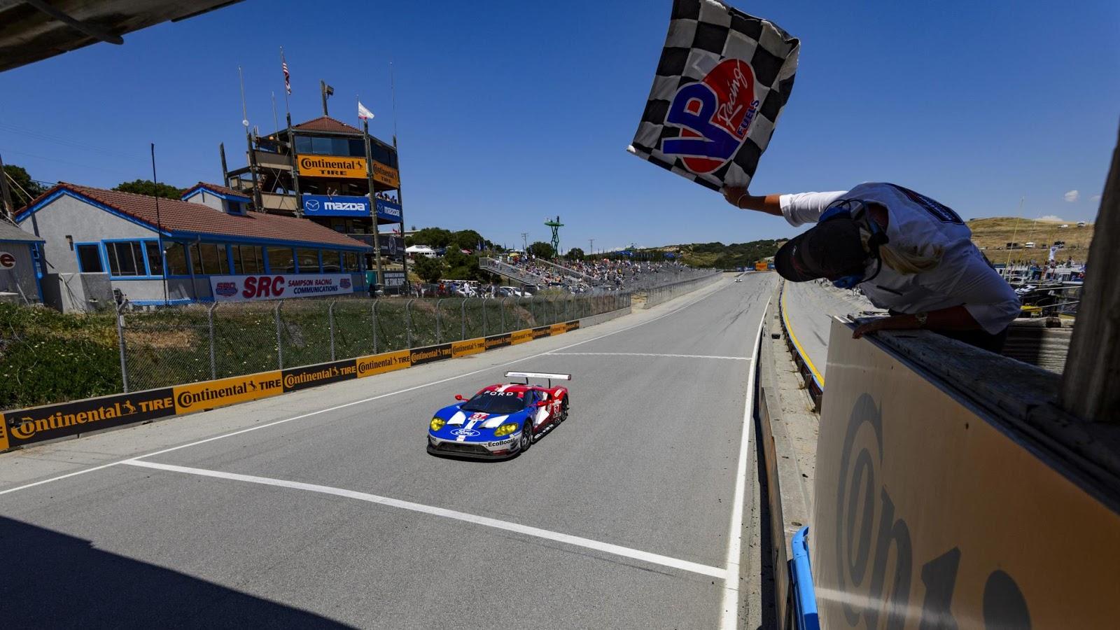 Siêu xe Ford GT có chiến thắng đầu tiên tại Laguna Seca