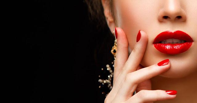 19 Cara Memerahkan Bibir Secara Alami, Tanpa Efek Samping