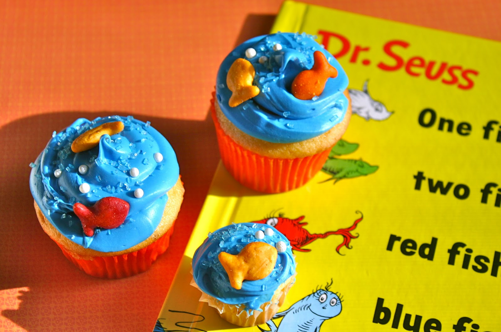 My Retro Kitchen: One Fish Two Fish Cupcakes