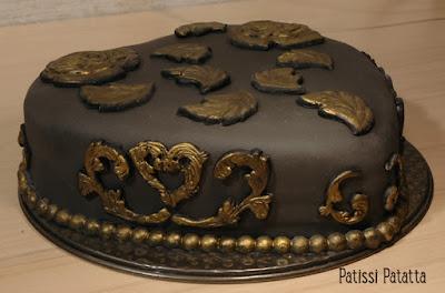 cake design, gâteau coeur, gâteau noir et or, pâte à sucre, gumpaste, black and gold hart cake, patissi-patatta