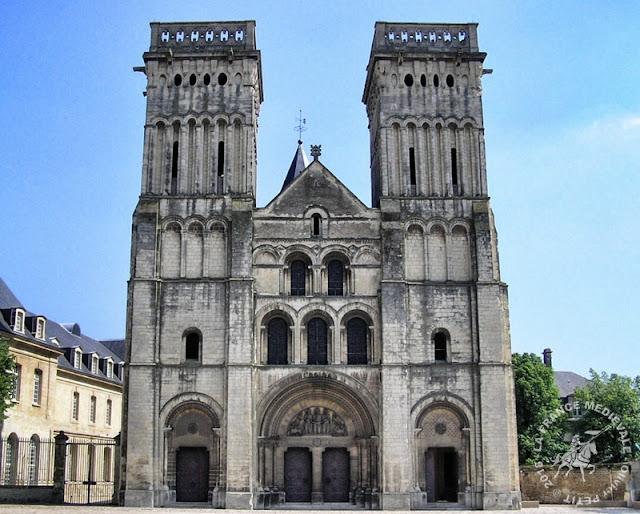 CAEN (14) - Abbaye aux Dames (Extérieur)