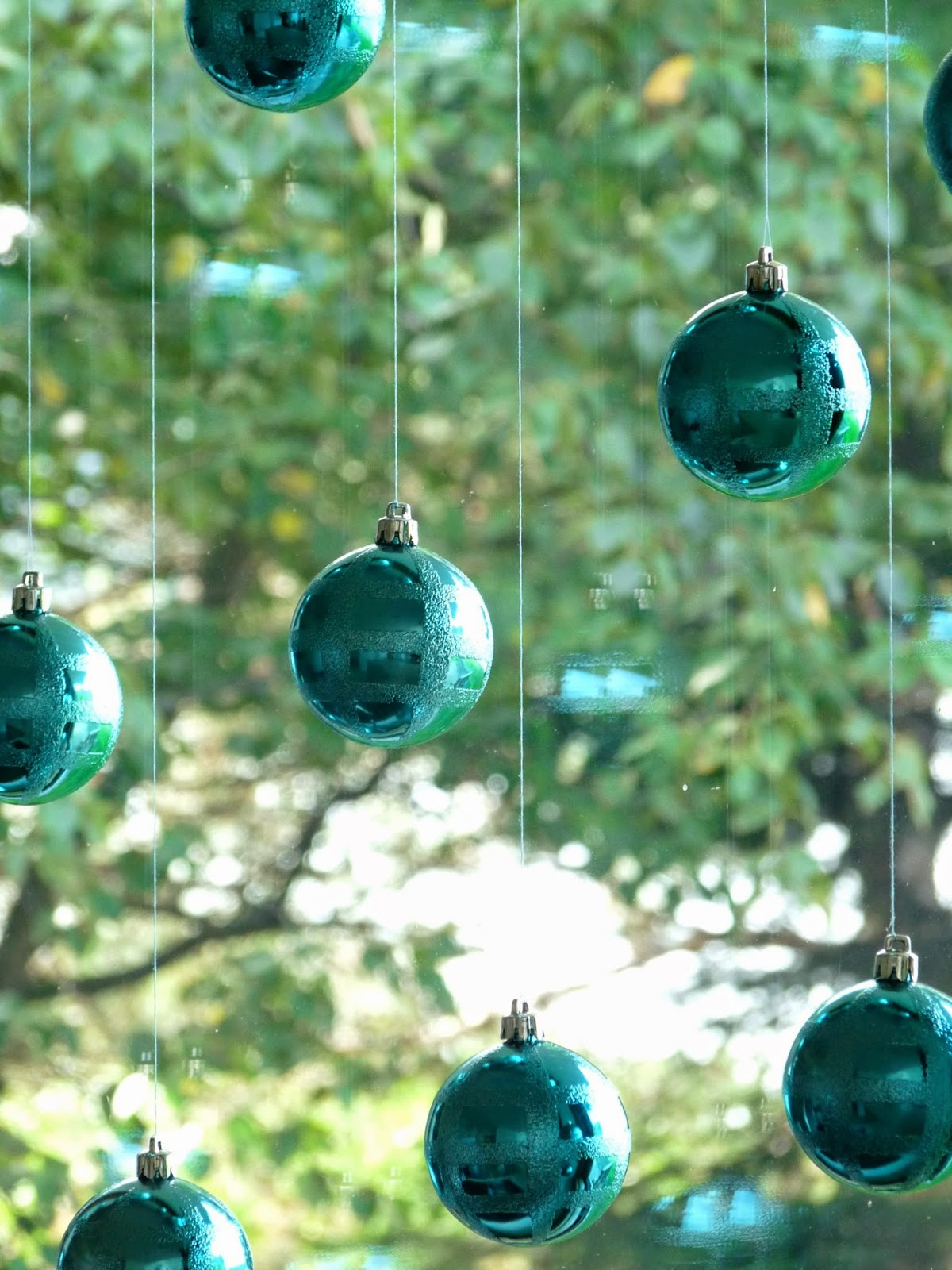 How to Hang Christmas Ornaments in a Window - NO Damage ...