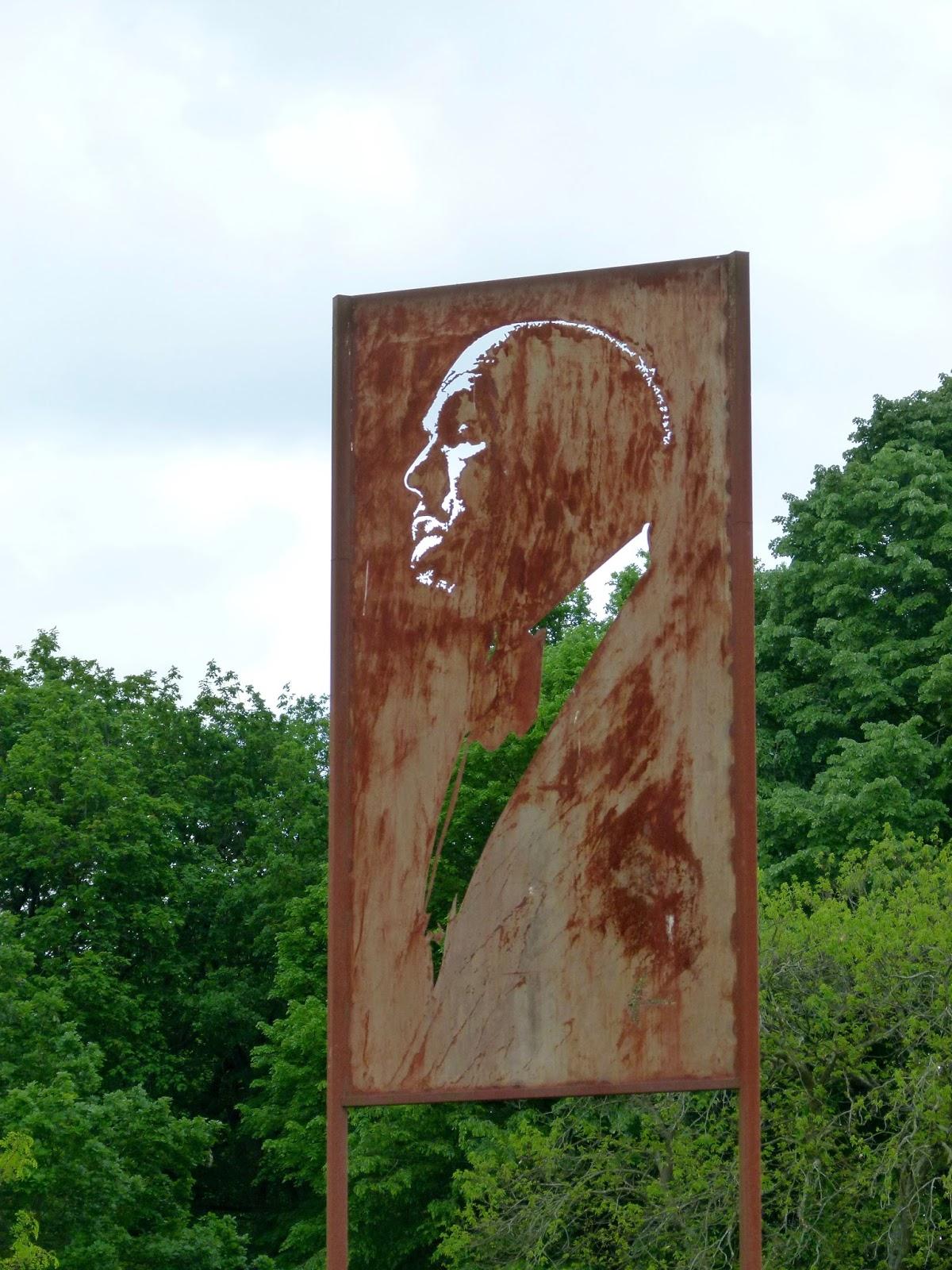 Michel Audiard Sculpteur Stylo le retour chez canelle: michel audiard