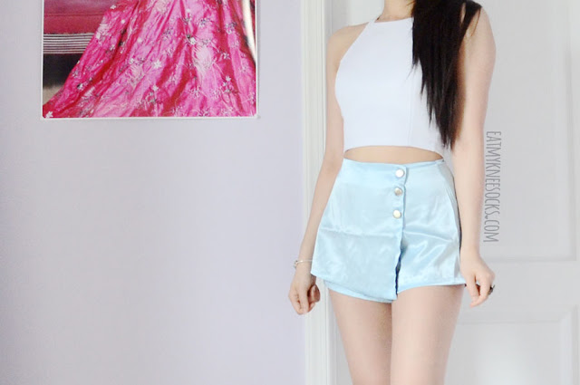 Review of the light pastel baby blue silk kitten asymmetric skort high-waisted skirt shorts from O-Mighty / Omighty / Omweekend.