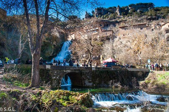 Vista de la cascada de Orbaneja del Castillo