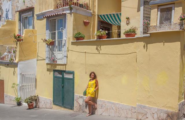 Ma combishort jaune - Sous le soleil de Procida