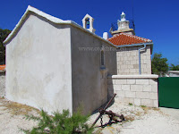 Crkvica sv. Nikola, Pučišća, otok Brač slike