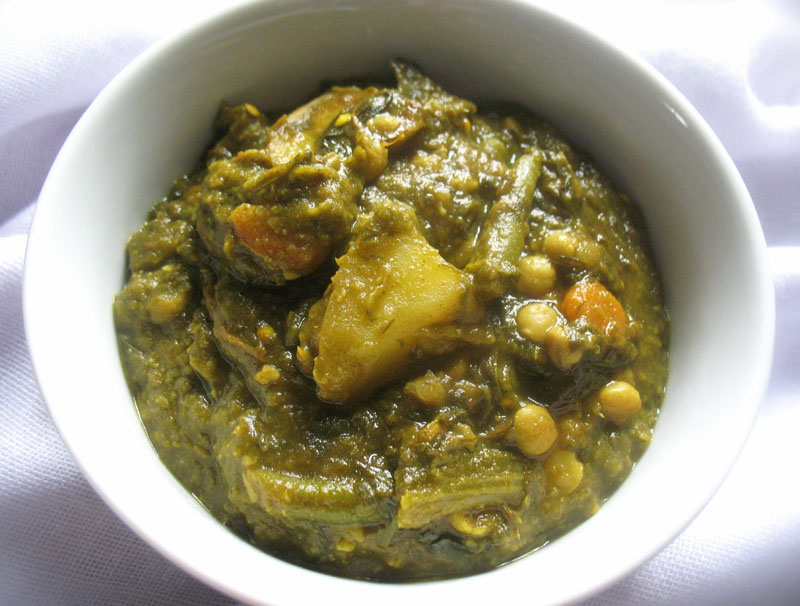 Sindhi curried spinach and vegetables lisas kitchen vegetarian visit the indian food glossary for information on the ingredients in this recipe sindhi inspired curried spinach forumfinder Image collections