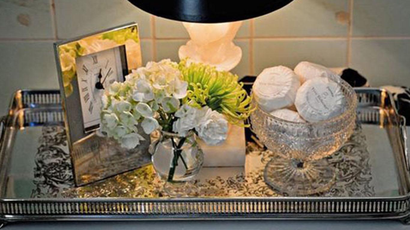 decoracao bandeja lavabo : decoracao bandeja lavabo: tem condições ou não quer uma bandeja de inox, quer a espelhada
