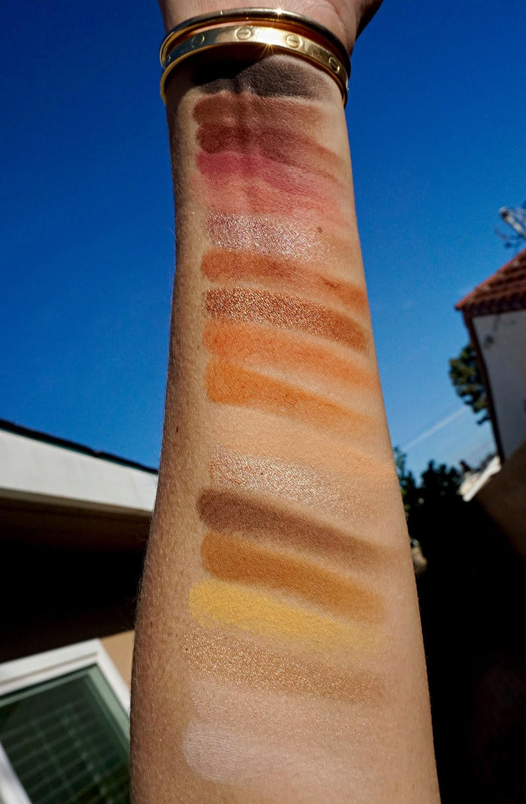 LAWLESS Beauty The One Eyeshadow Palette swatches